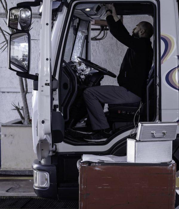 Gurrieri - Officina auto - camion - tachigrafi - Iveco - Piaggio a Vittoria