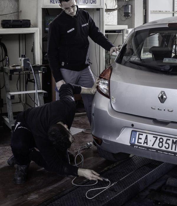 Gurrieri - revisioni - Officina auto - camion - Iveco - Piaggio a Vittoria
